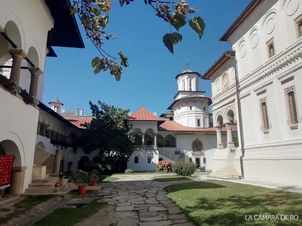 Horezu: un monasterio y una tradición alfarera Patrimonio de la Humanidad