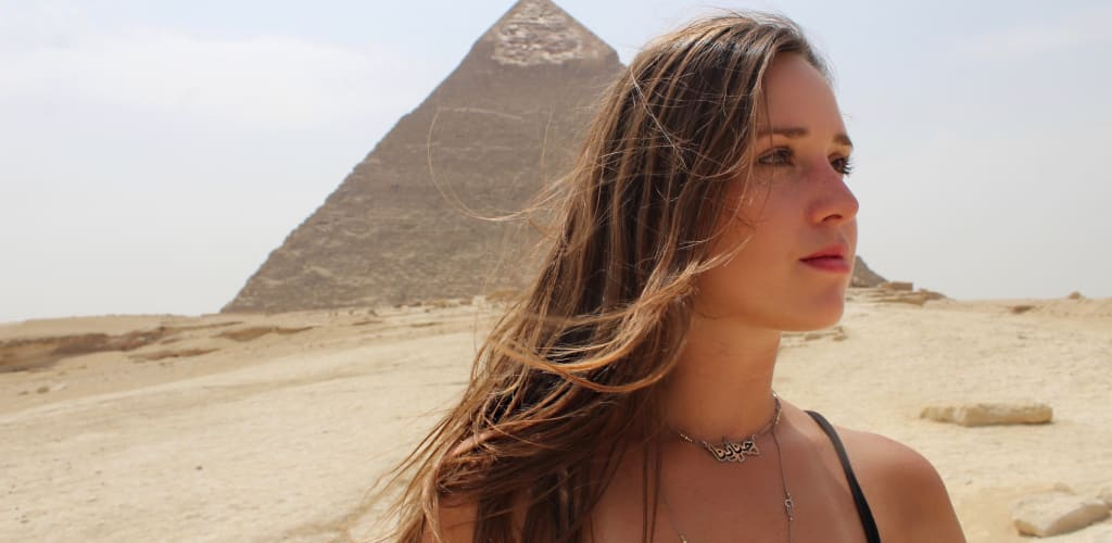travel egypt pyramids