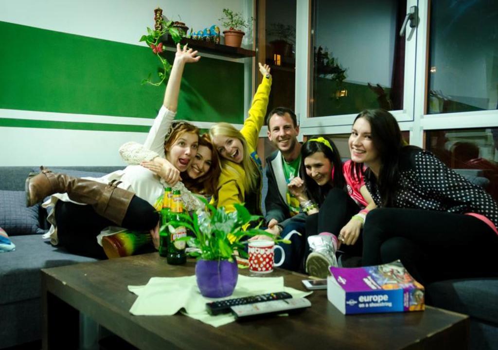 Artigo com diversas opções de hostel na Europa para voluntariar