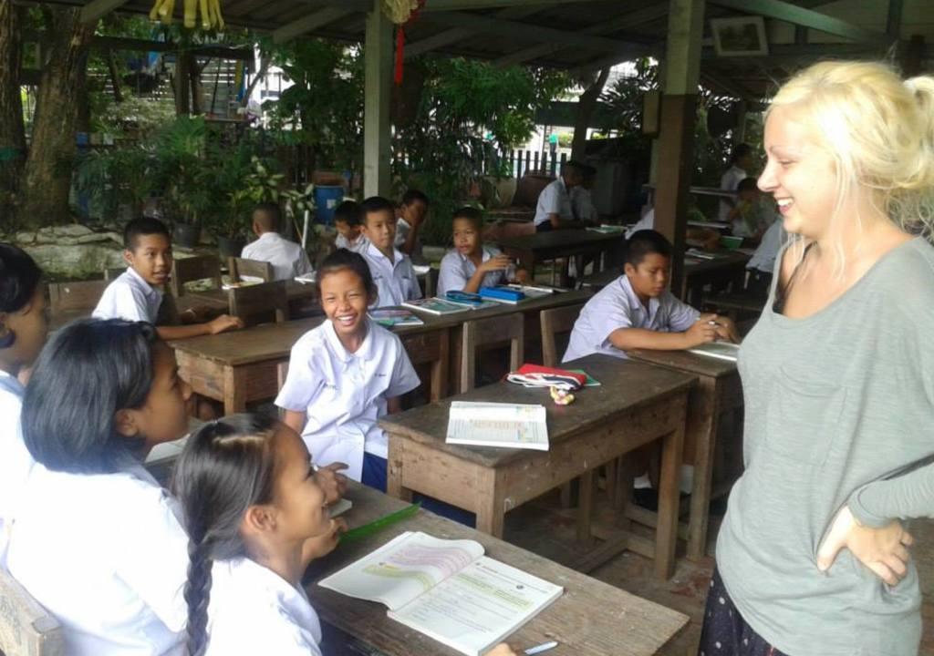 volunteering teaching children