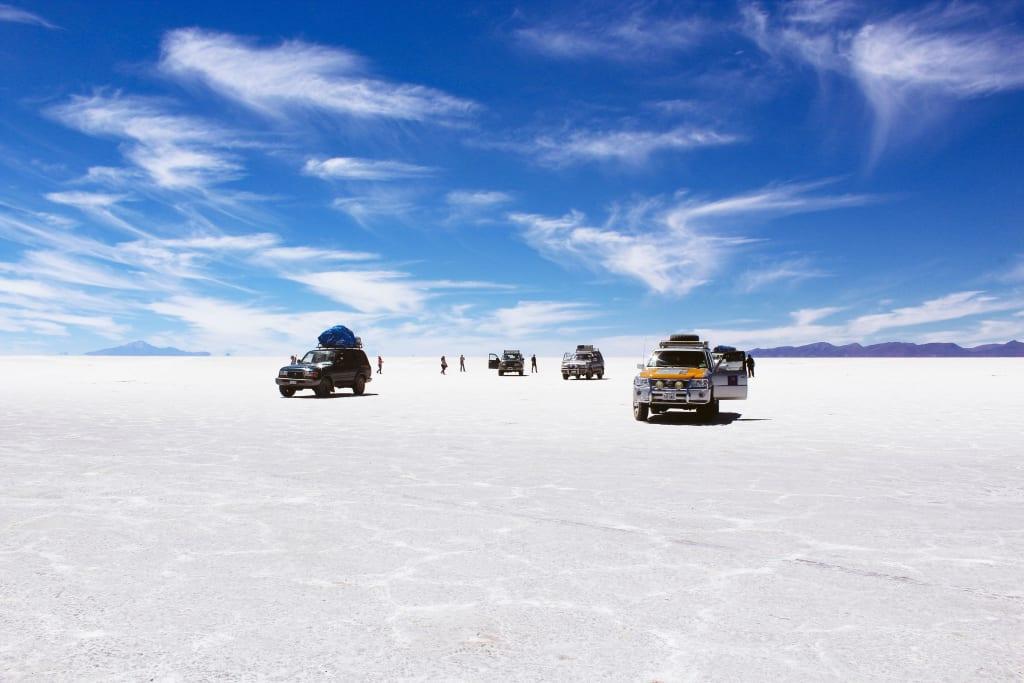 Salar de Uyuni es una de las principales atracciones que hacer en Bolivia