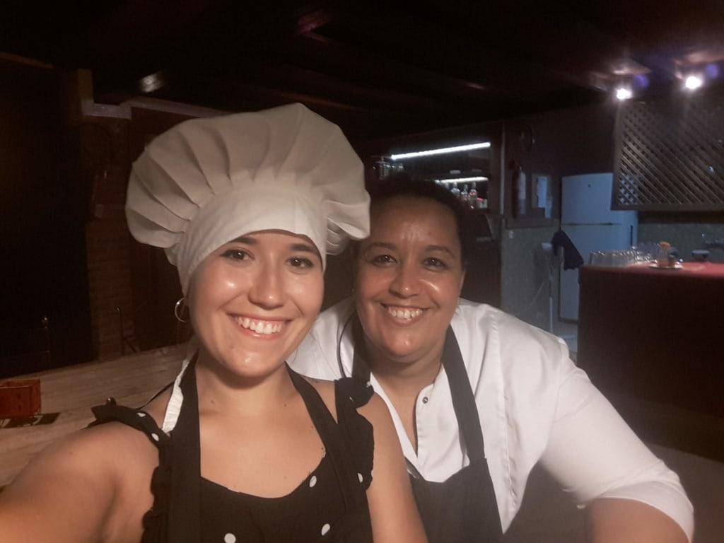voluntariado-en-la-cocina-de-un-hostal
