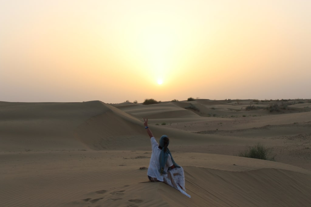 viajando-sola-en-el-desierto