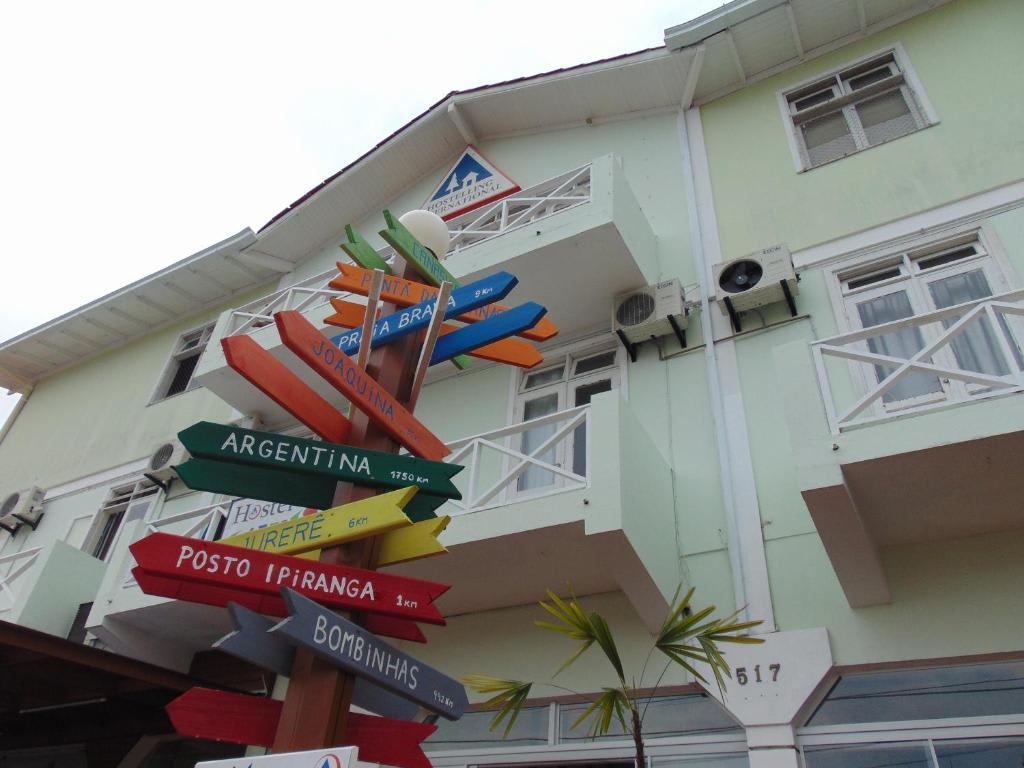 Frente do Hostel Canasvieiras