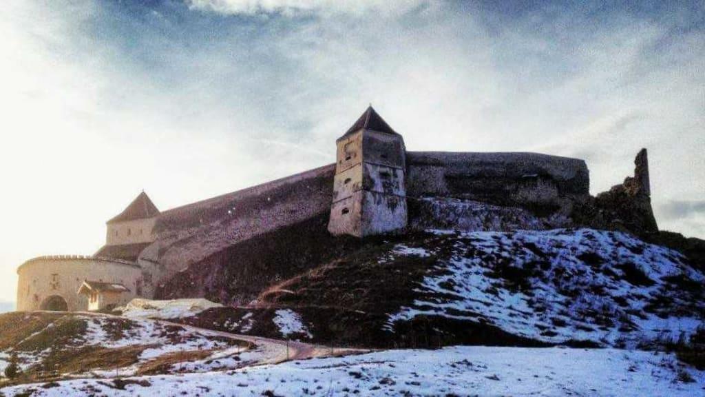 a Romênia é conhecida por seus grandes castelos