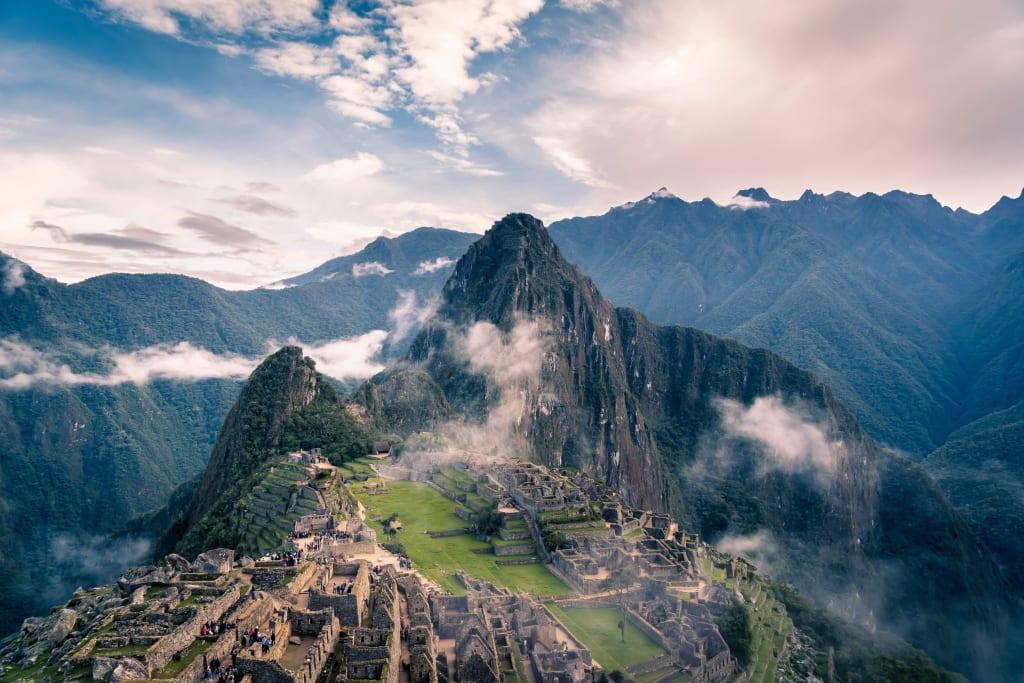 Machu Picchu é passagem obrigatória durante um mochilão pelo Peru