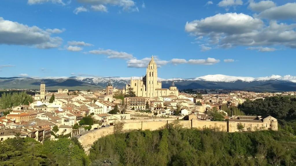 cidades espanholas para conhecer em viagens curtas