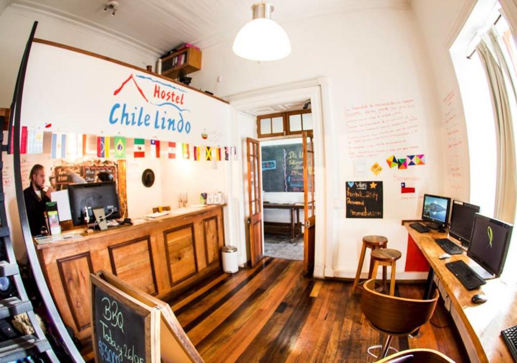 Recepção do Chile Lindo Hostel