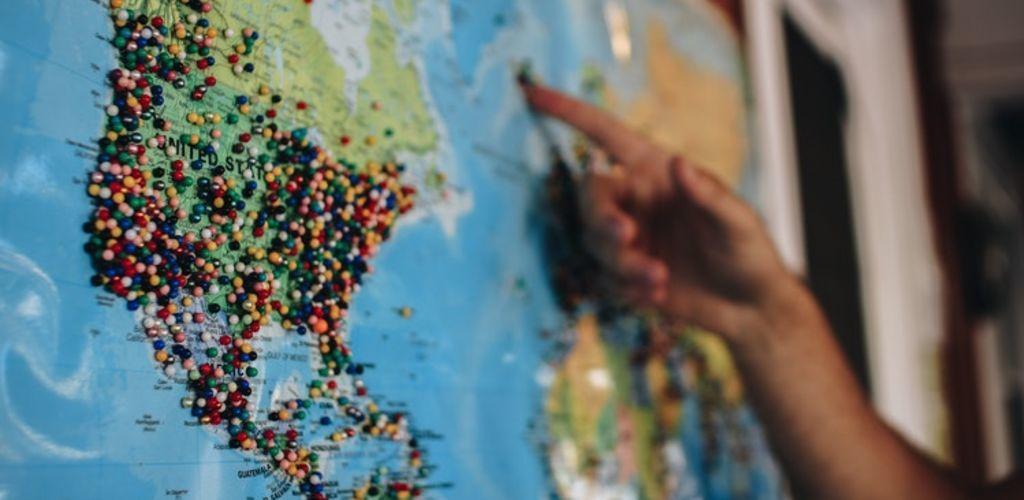 mapa con opciones de alojamiento gratis por todo el mundo