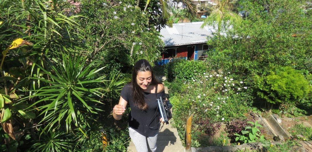 voluntária em projeto de impacto social