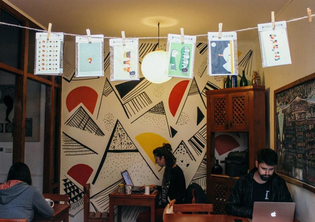sala de estar do Acuarela Hostel