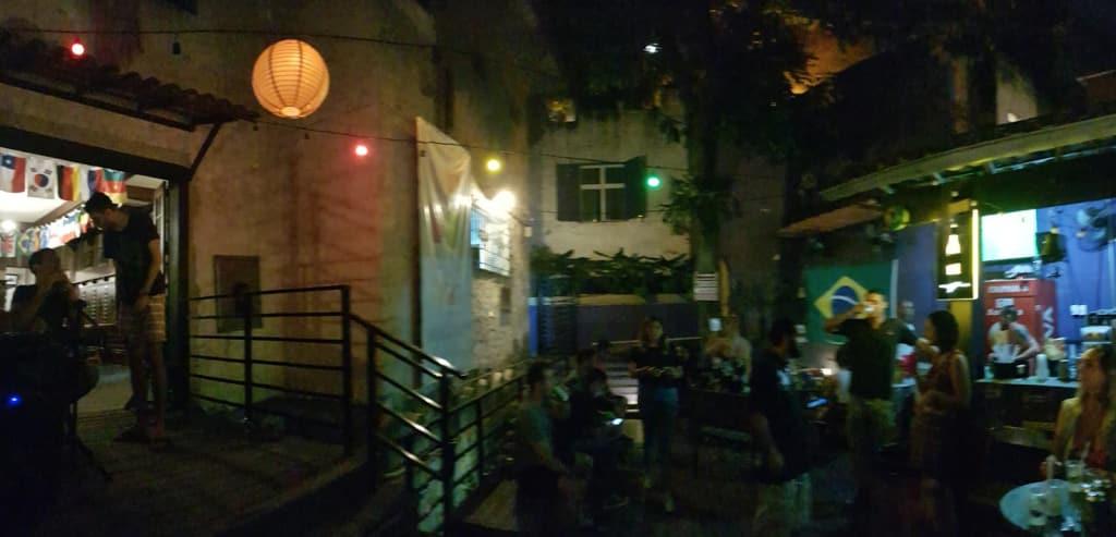 bar do hostel pura vida