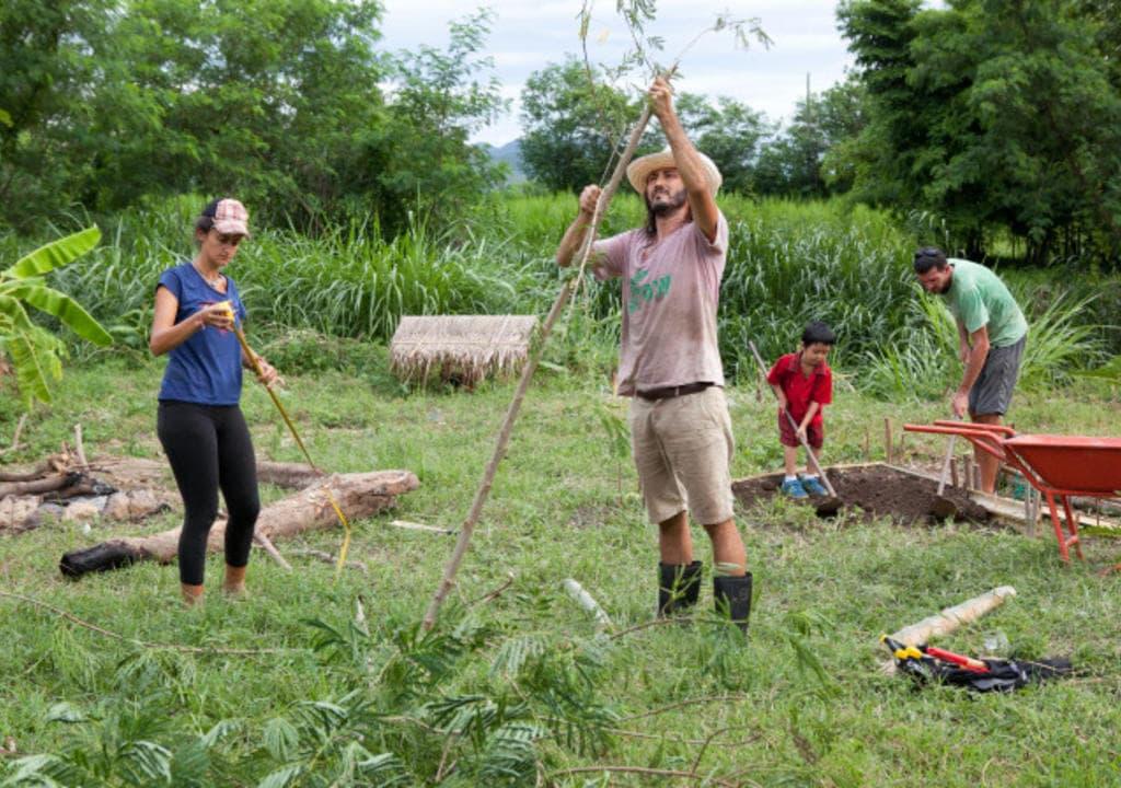 Uma família em Chiang Mai, Tailândia, precisa da ajuda de quem busca hospedagem de graça pelo mundo.