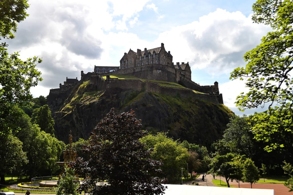 Edimburgo é mais uma cidade charmosa para o roteiro de viagem na Europa