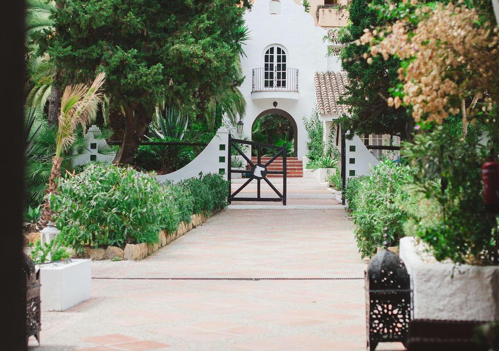 Entrance of the hostel El Cortijo