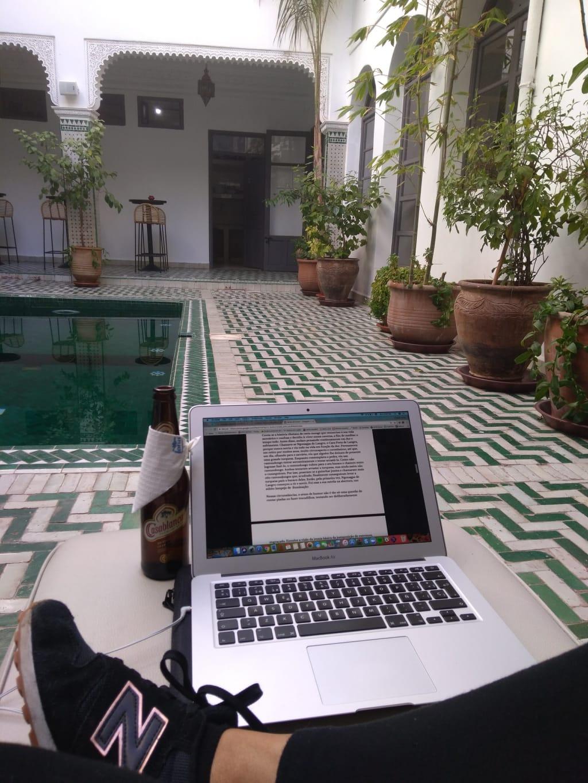 Trabalhar como nômade digital tem vantagens e desvantagens