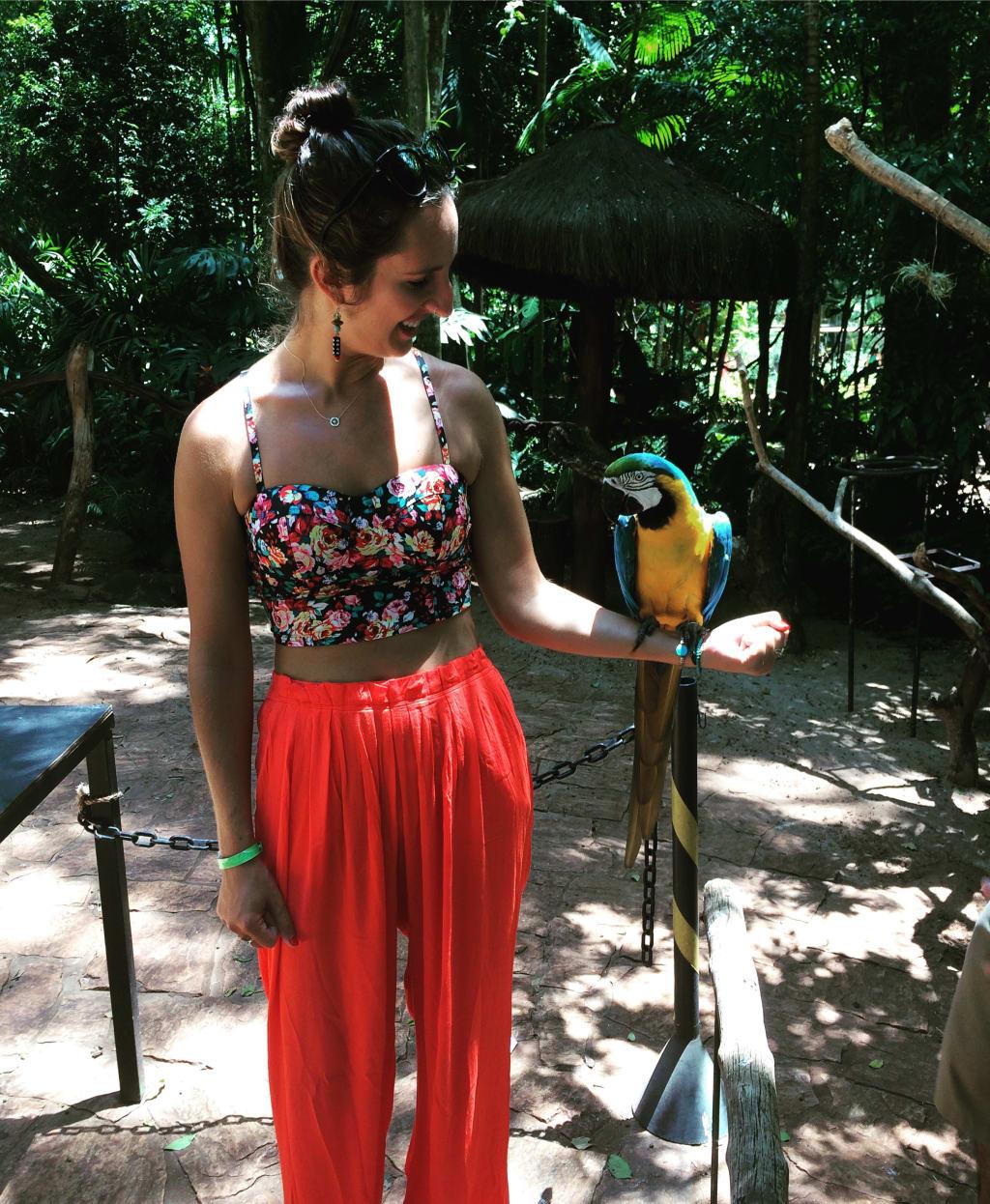 women-exploring-parque-das-aves-in-rio-de-janeiro