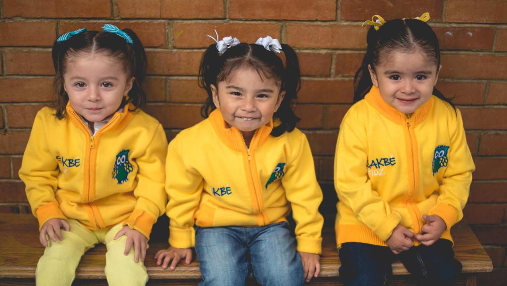 volunteers can teach English abroad to children in Peru