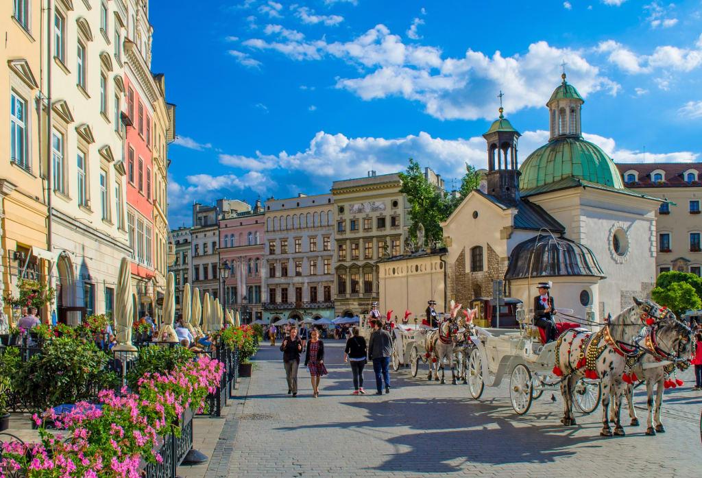 Cracóvia é uma cidade história e leva o viajante ao tempo medieval