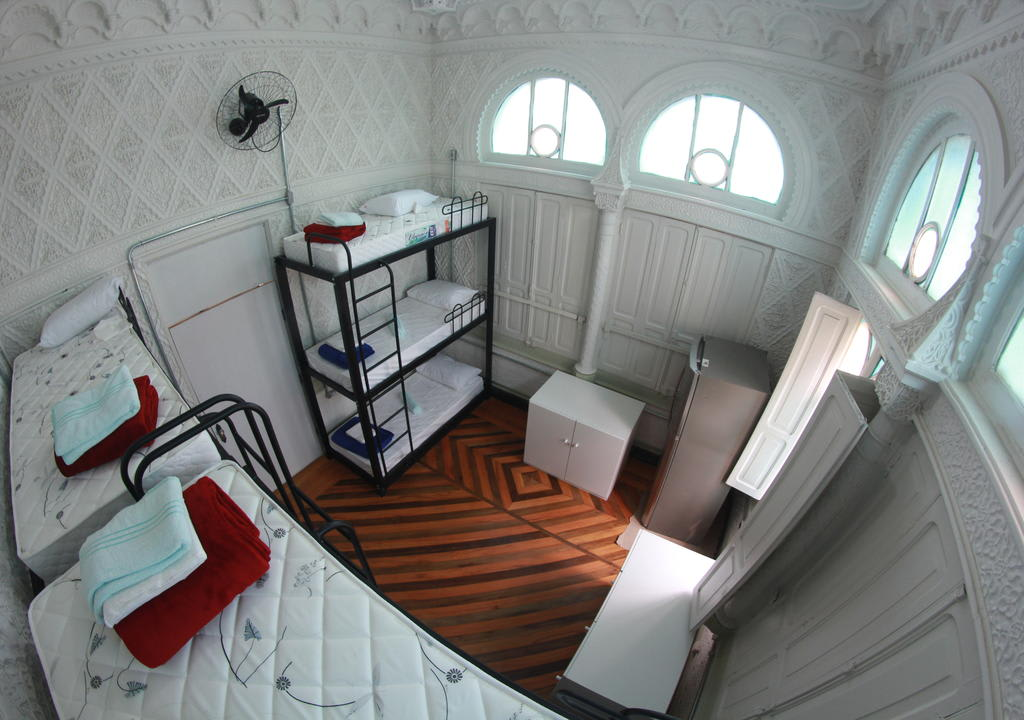 camas beliche em hostel
