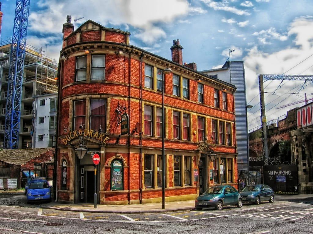 Um dos vários pubs de Leeds