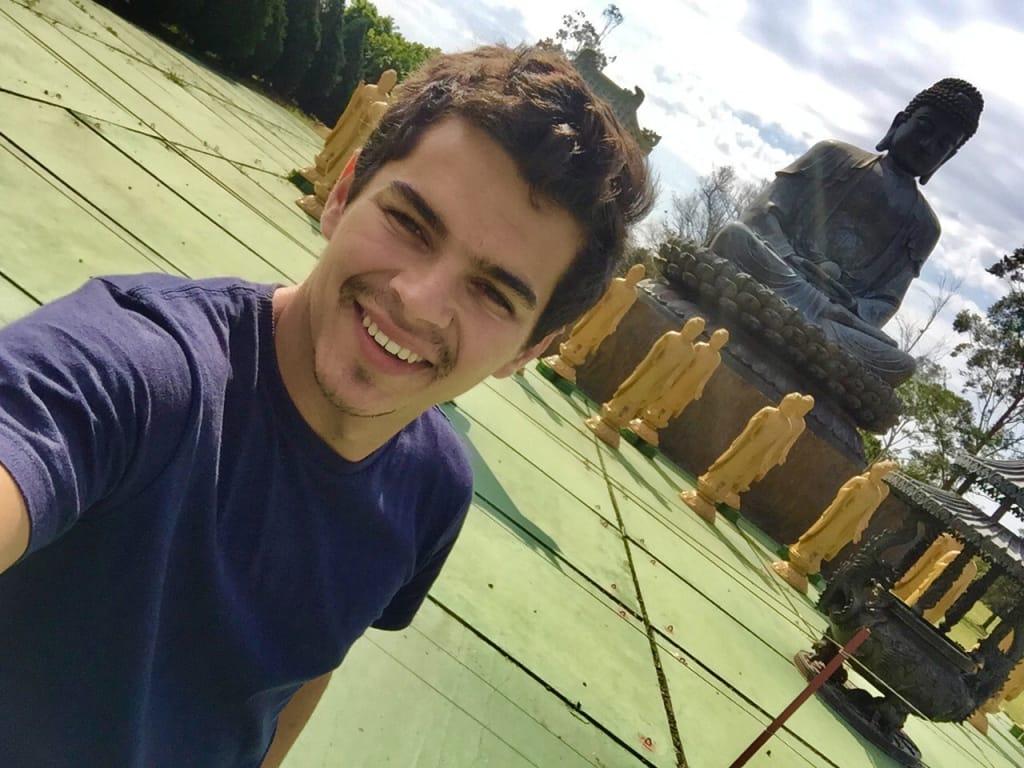 voluntário worldpacker em templo budista em Foz do Iguaçu