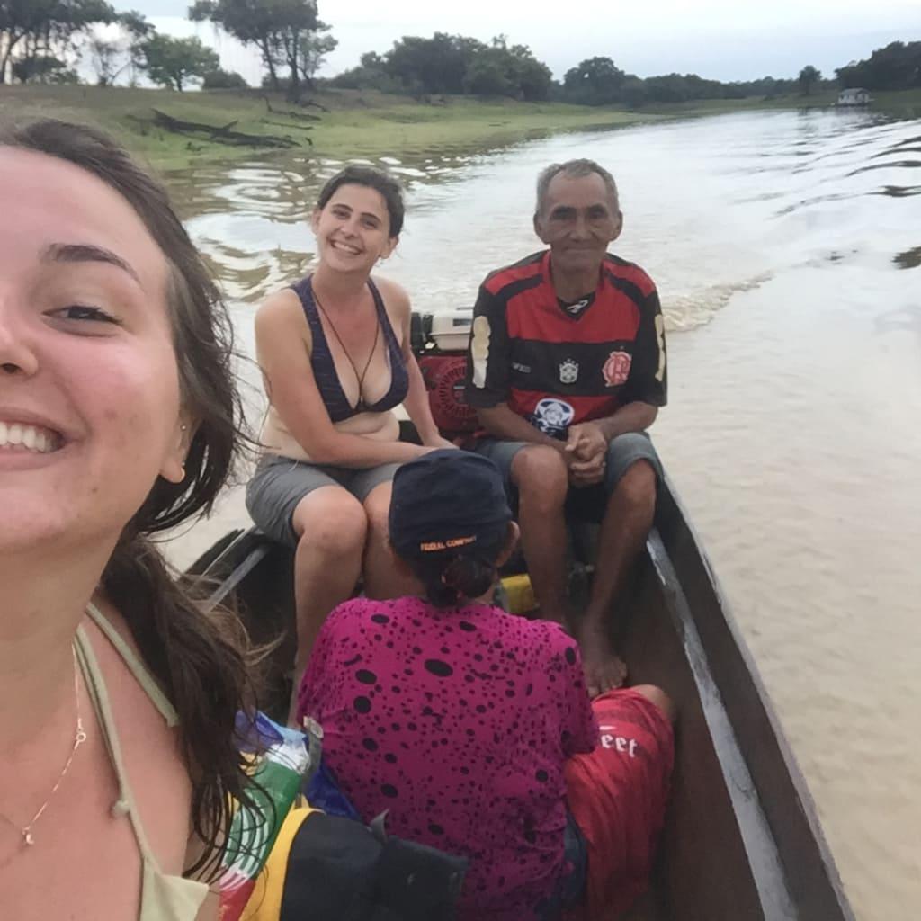 Travessia em rumo ao igarapé Tucunaré, município de Itacoatiara, Amazonas