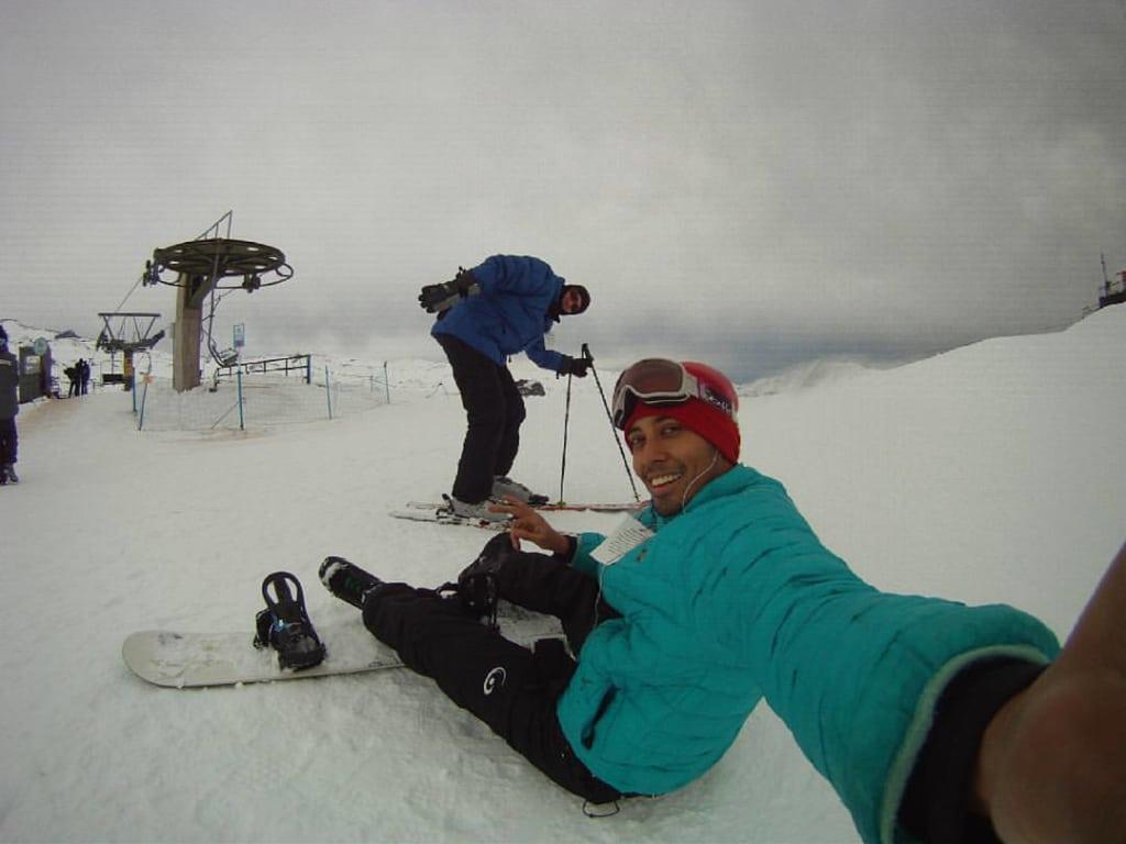 Voluntário em centro de esqui no Chile