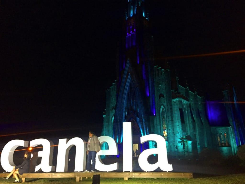 Catedral de Pedra em Canela - RS a noite