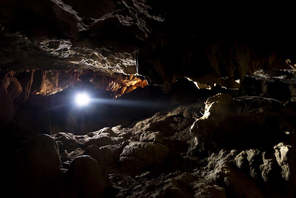 Cueva Kailas. Gurú de la India