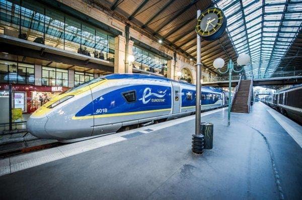 12 lugares que no debes perderte en Londres - Worldpackers - tren eurostar en londres