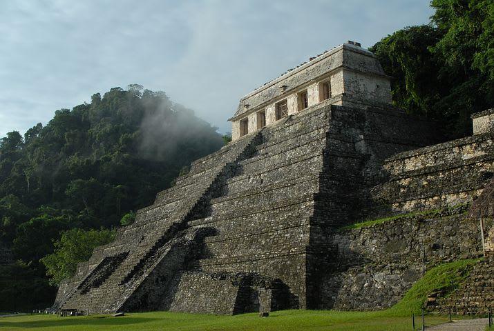 10 consejos para viajar sola a México - Worldpackers - pirámide maya en México