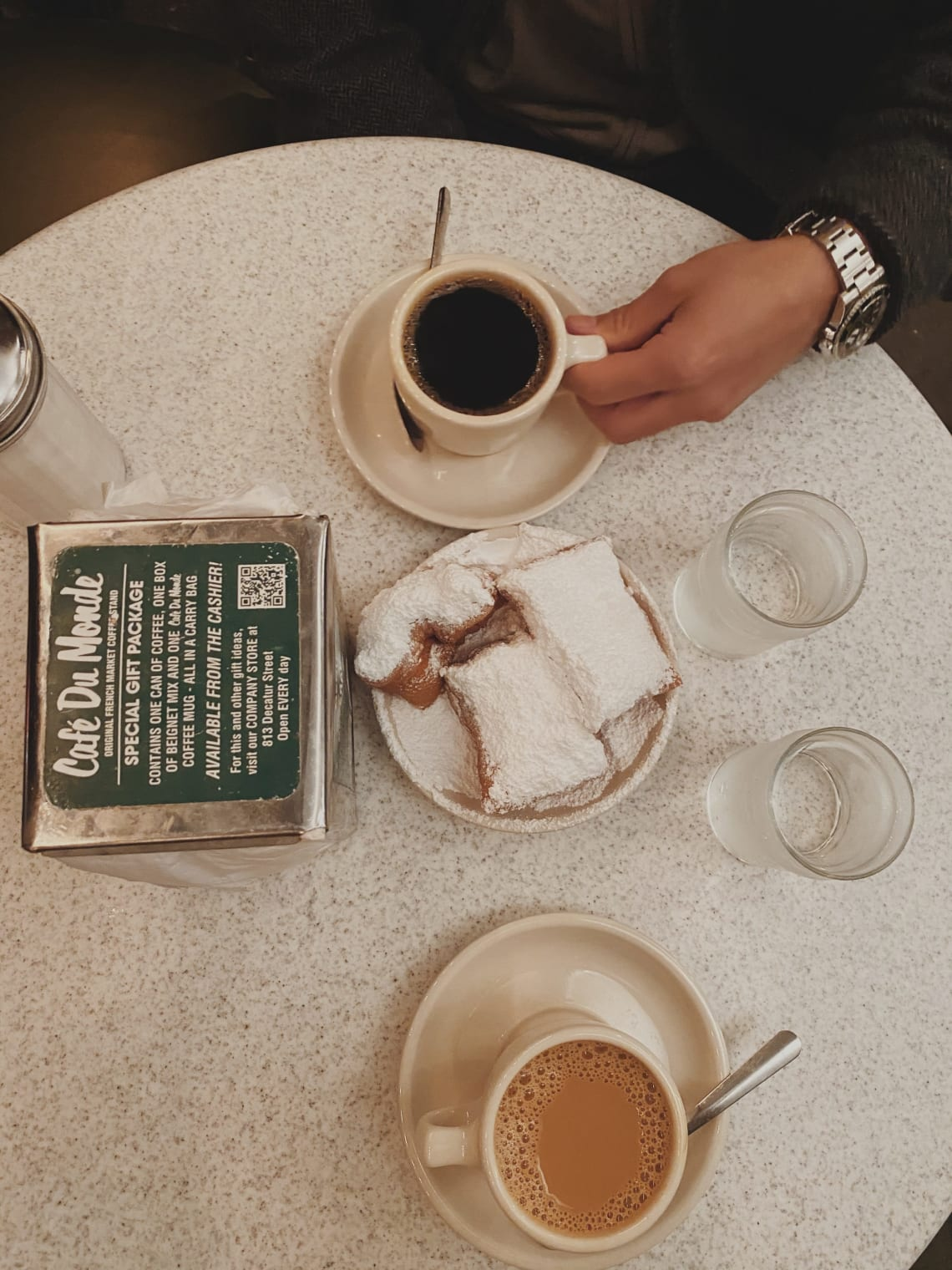 Things to do in New Orleans during Mardi Gras: stop by Cafe du Monde