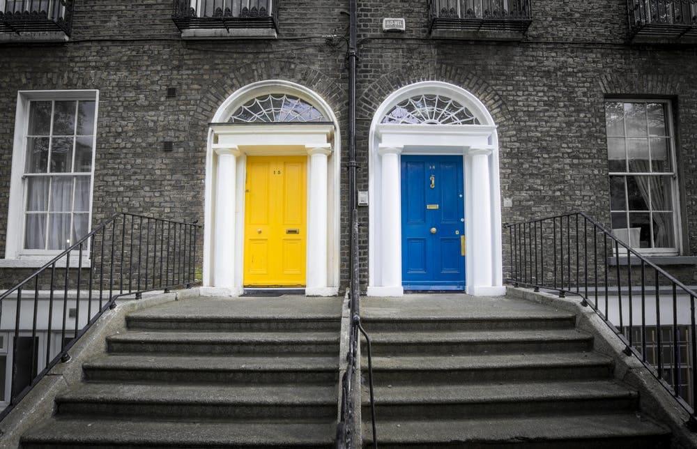 Guía completa para viajar a Irlanda - Worldpackers - casas en Irlanda