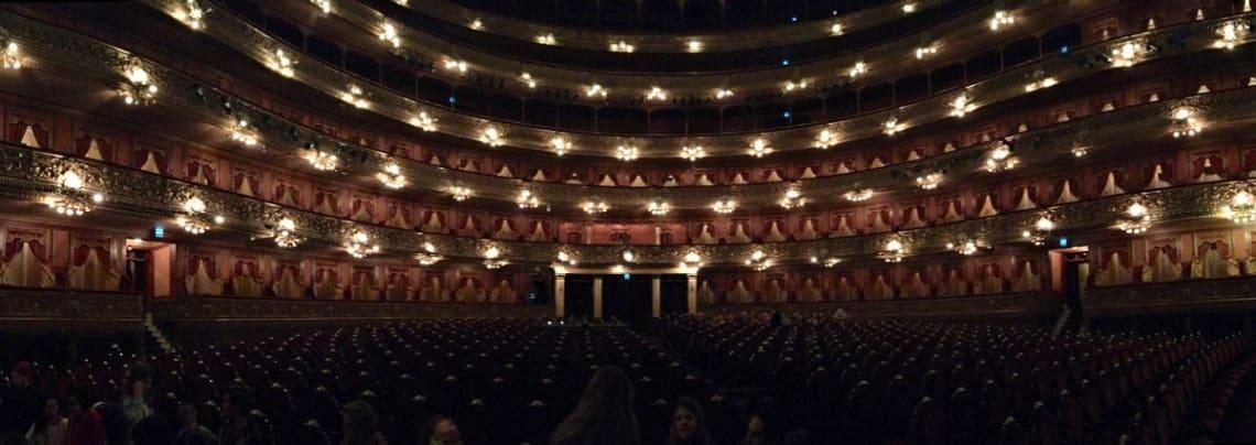 Mega guía para viajar a Buenos Aires: todo lo que debes que saber - Worldpackers - teatro opera en buenos aires