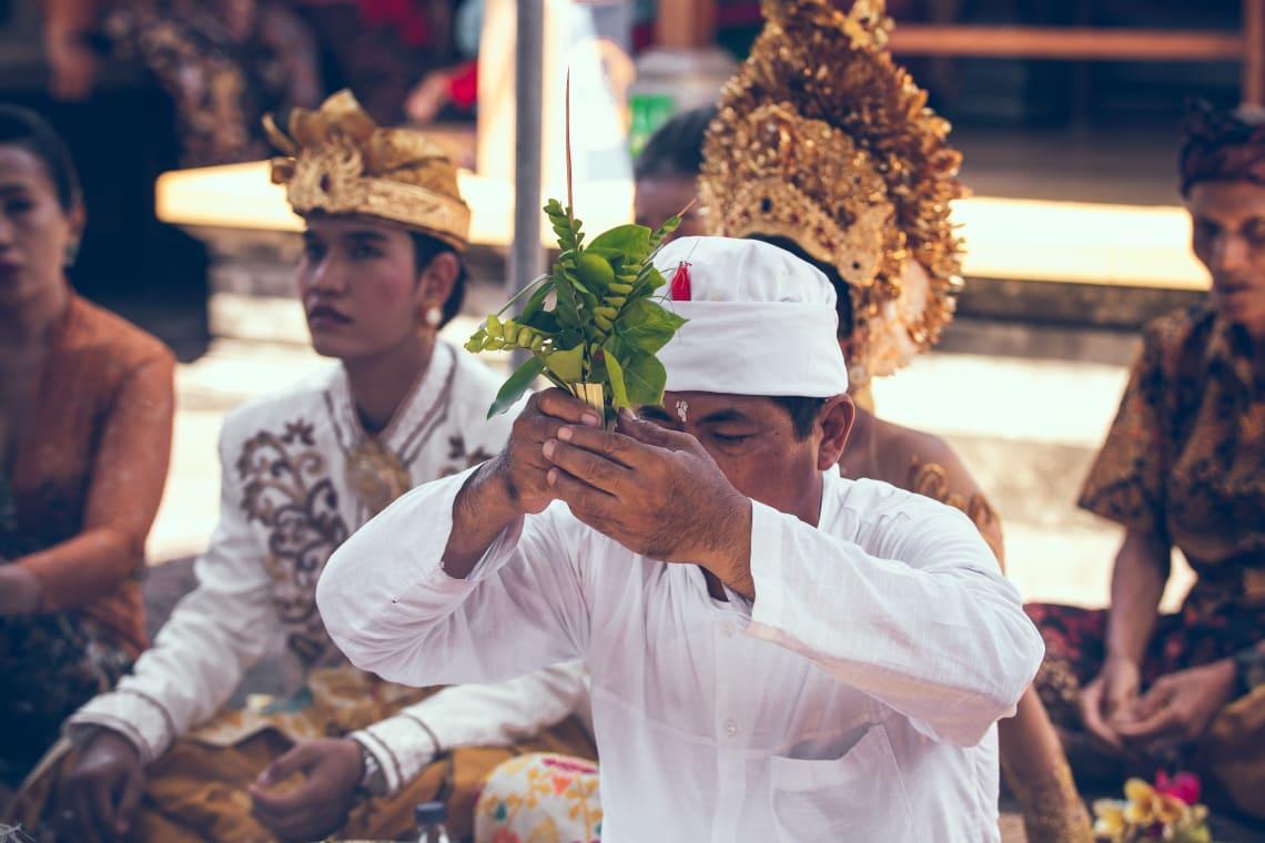 Respeite as tradições e costumes de cada região