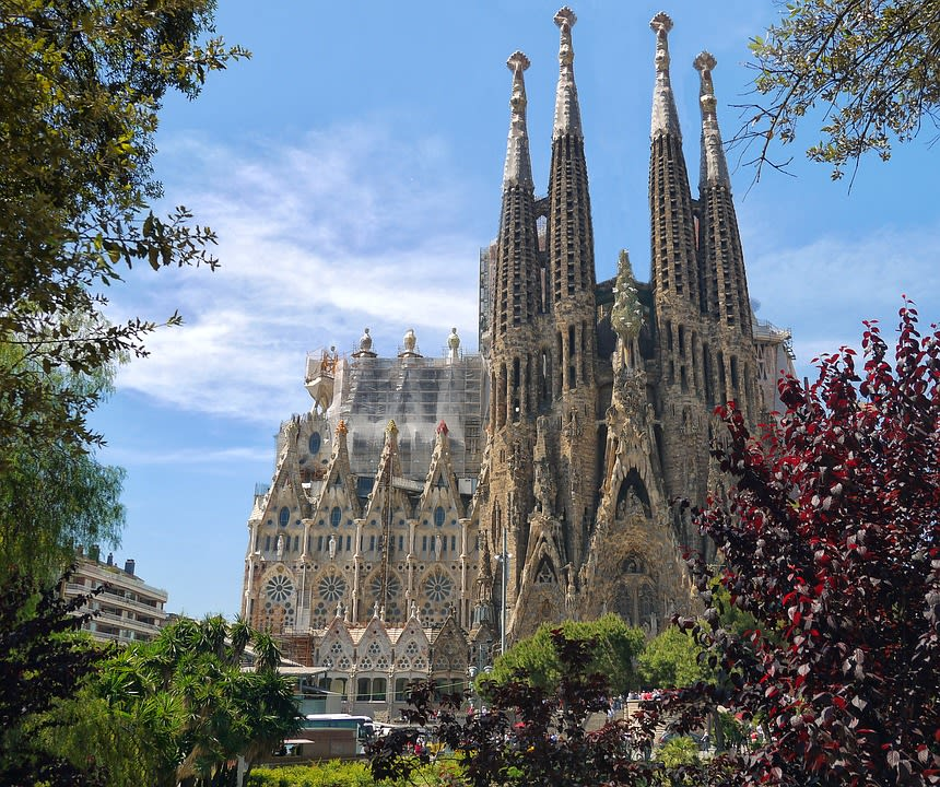 guia para viajar a Barcelona - La Sagrada Familia - Worldpackers