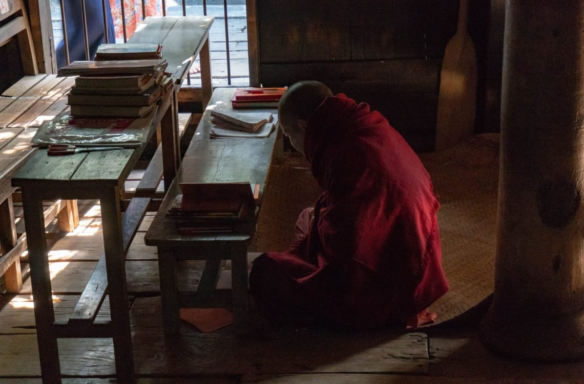Viajar a Myanmar, un país recién abierto al turismo - budista en Inwa - Worldpackers