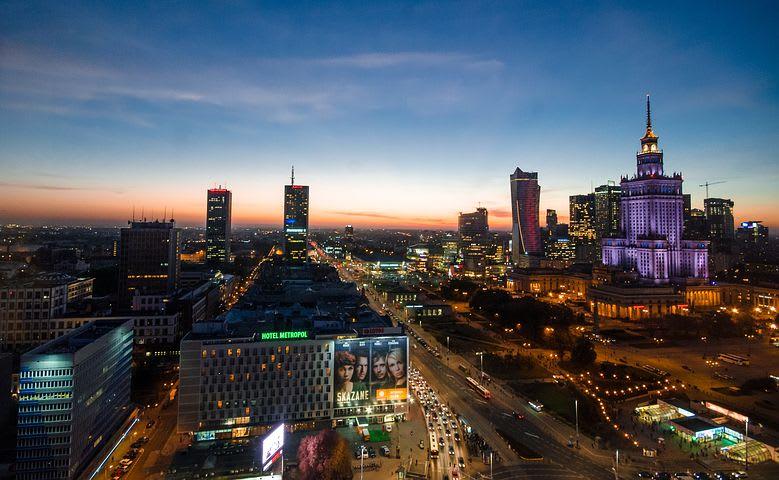 Dónde viajar con poco dinero en Europa - Worldpackers - Varsovia Polonia