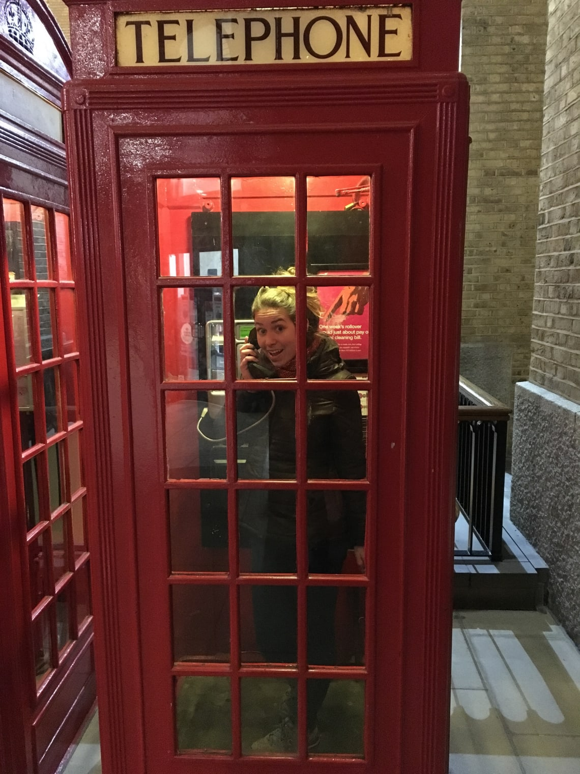 12 lugares que no debes perderte en Londres - Worldpackers - cabina telefonica roja en londres
