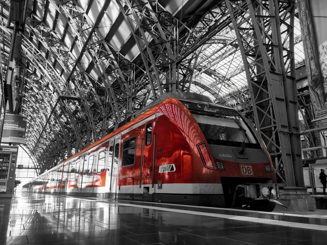 trem na estação de Frankfurt na Alemanha