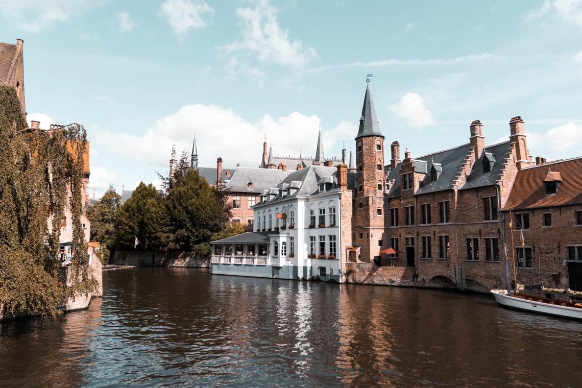 Bruges, cidade turística na Bélgica próxima à Bruxelas