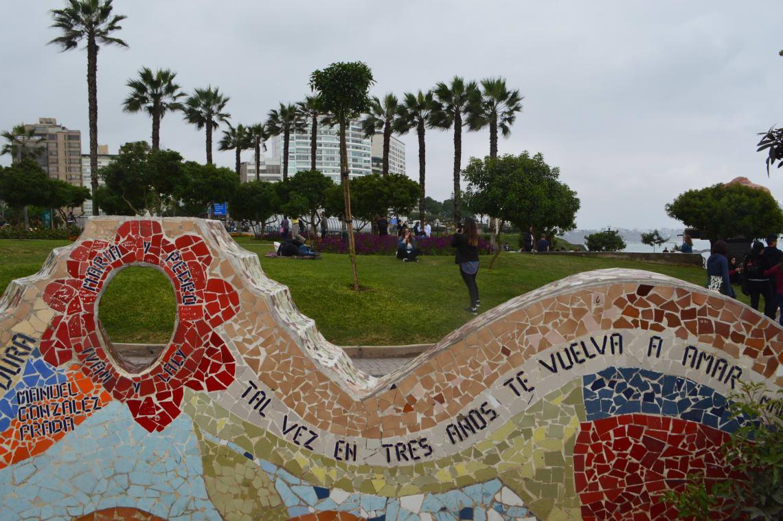Ruta mochilera para visitar Perú: qué hacer y recomendaciones - Worldpackers - Barranco en lima perú