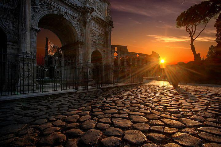 La guía definitiva para explorar Roma como un local - Worldpackers - atardecer en Roma