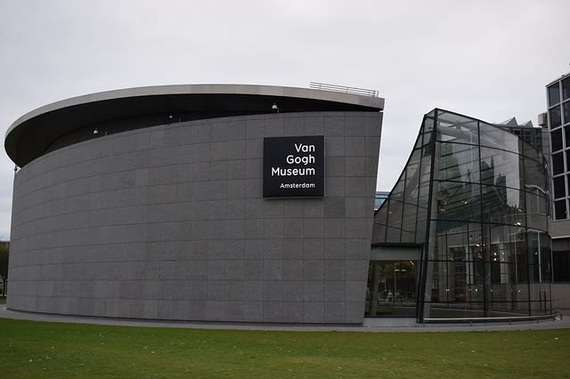 Museu Van Gogh, local com maior acervo de obras, cartas e desenhos do artista