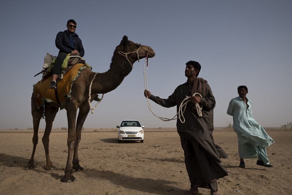 10 Cosas para hacer en Jaisalmer, India - montar en camello en el desierto - Worldpackers