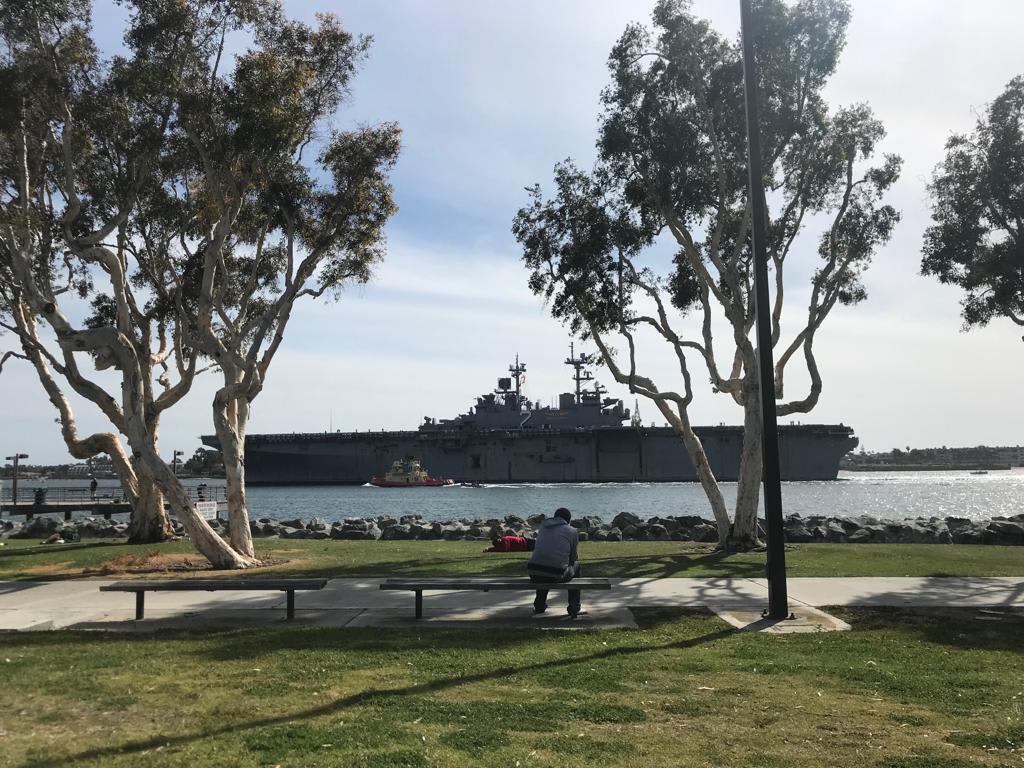 Lugares imperdibles que visitar en San Diego, California - Worldpackers - parque con barco naval