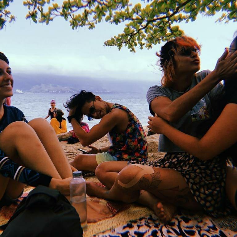 viajar sozinha brasil amigos