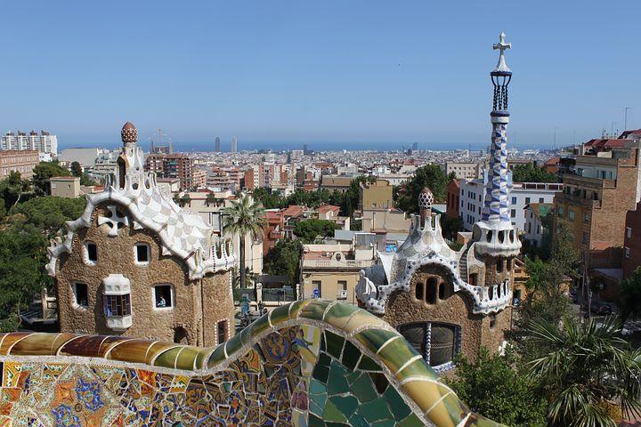 10 cosas que hacer gratis en Barcelona - Worldpackers - vista desde el parque guel