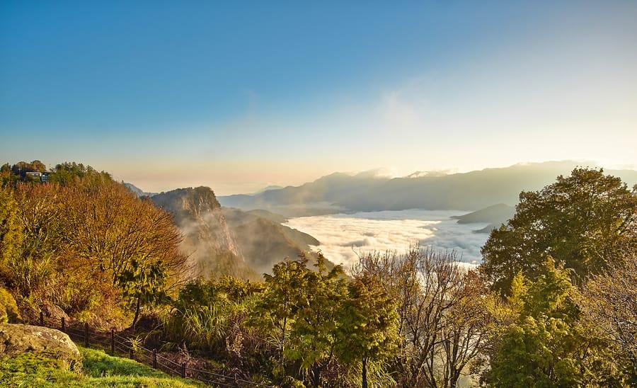 Não deixe de fazer trilha em alguma das grandes montanhas de Taiwan